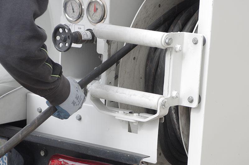 Mise en place du matériel de débouchage hydrocurage